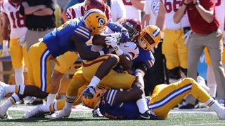 Bowers Commits 6 Turnovers, No. 5 USC Beats Cal 30-20